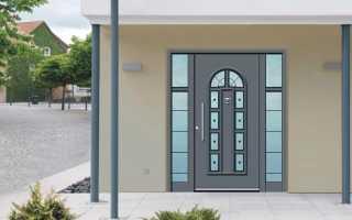 Входные двери со стеклопакетом для загородного дома (30 фото): пластиковые, деревянные и металлические уличные двери, изделия из ПВХ
