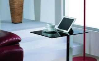 Приставные столики (53 фото): белый стол к стене и подоконнику на колесиках, мебель на колесах в стиле лофт