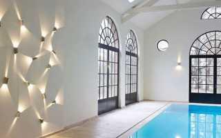 Дизайнерские бра: настенные светильники из керамики, золотые модели на стену