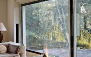 Стеклянные камины (62 фото): современные камины с экраном из стекла, трехсторонние, круглые или другие модели для дома