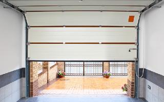 Секционные ворота (109 фото): подъемные гаражные варианты, комплектующие из Германии для гаража, особенности монтажа