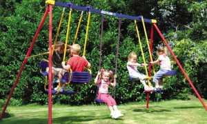 Детские уличные качели: металлические или деревянные подвесные на улицу