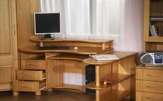 Компьютерные столы из дерева: эксклюзивные деревянные модели из сосны