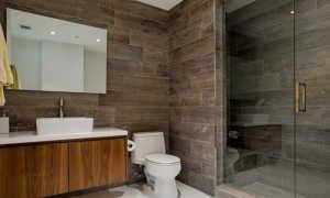 Деревянная плитка: вид керамической настенной поверхности под дерево