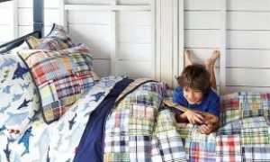 Двухъярусные деревянные кровати (44 фото): из массива дерева сосны или бука, Ikea и другие производители