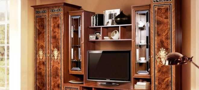 Стенки в гостиную в стиле «классика» (43 фото): мебельные классические модели в комнату с вместительным шкафом