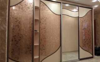 Гардеробные шкафы-купе (60 фото): встроенные и угловые для прихожих, полки расположение полок в гардеробе